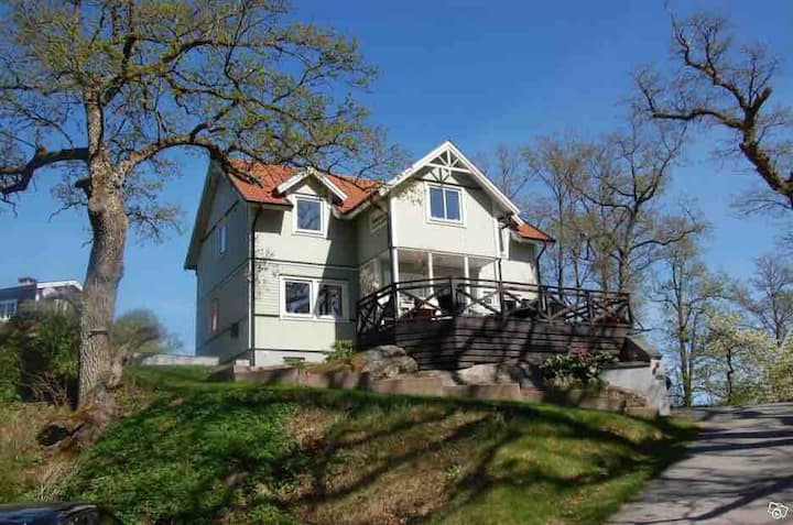 Lovely villa with stunning view, near Stockholm C.