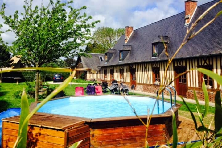 TRES BELLE LONGERE  4 CH 8 PERS PISCINE CHAUFFEE