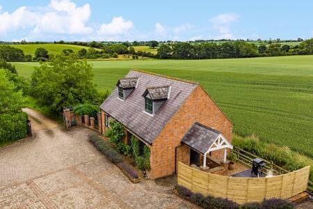 NEW Luxury Romantic Cottage - Idyllic Rural Bliss