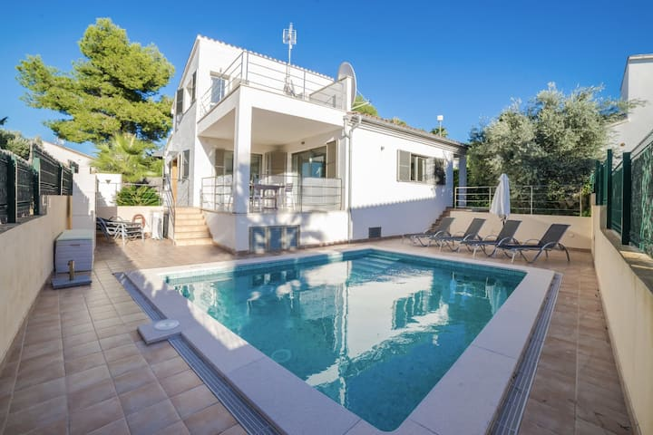 ROURE - Villa for 8 person with private heated pool near the beach