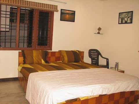 Atithi Comfort Homes- HOMESTAY FOR FAMILIES-Deluxe