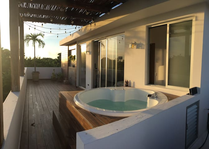 Rooftop+jacuzzi+view - Puerto Morelos - House
