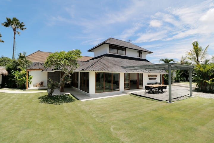 Amazing 3 bedroom villa in canggu