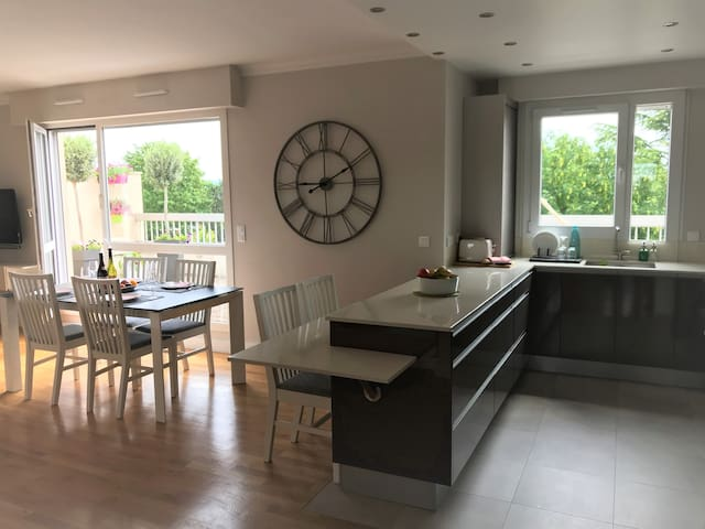 Charm, calm and comfort close to the Enghien Lake