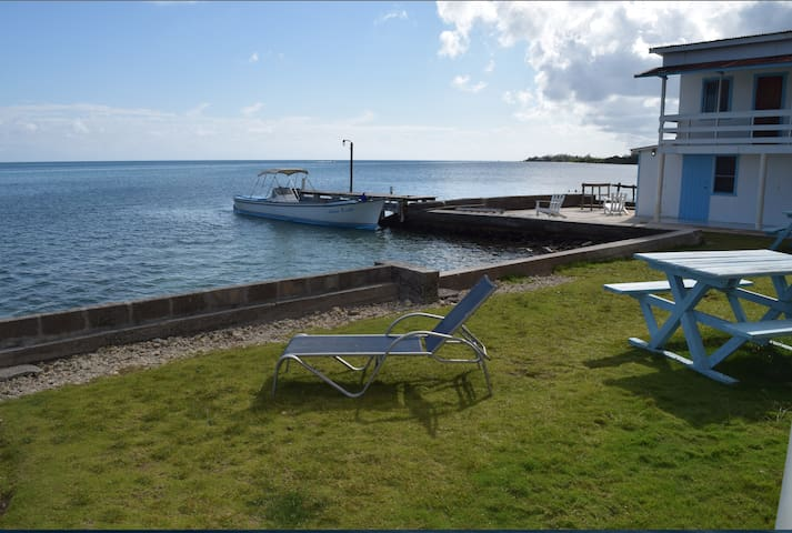 Lovely Private Seafront Apartment w/ Aircon!