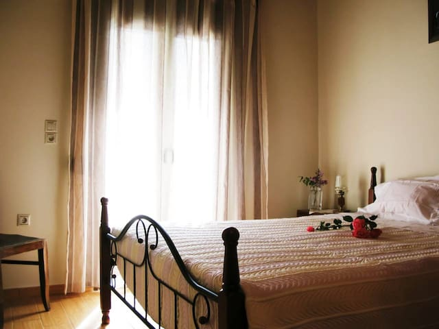 House 1, Bedroom 1: Simple and romantic bedroom with double bed and big closet