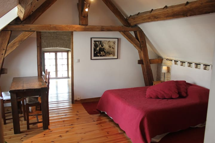 A l'Atelier - Vézelay - Bed & Breakfast