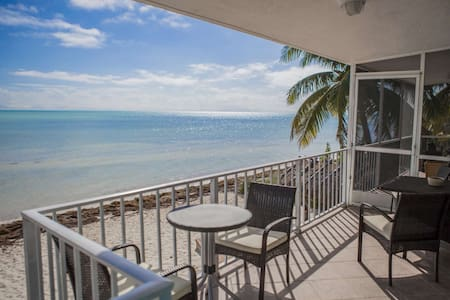 Rare Ocean Front Keys Home with Private Beach - Great for Kite Surfing! - 伊斯拉摩拉(Islamorada)
