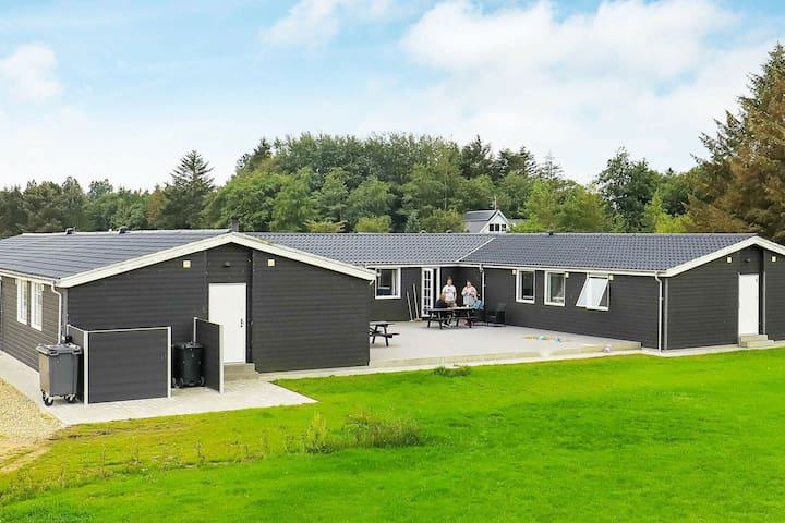Cosy Holiday Home in Øster Assels with Pool