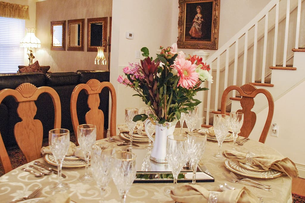 Open, bright dining room for large gatherings