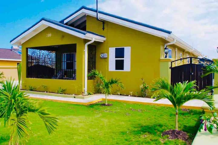 Palms Paradize Drax Hall Villa