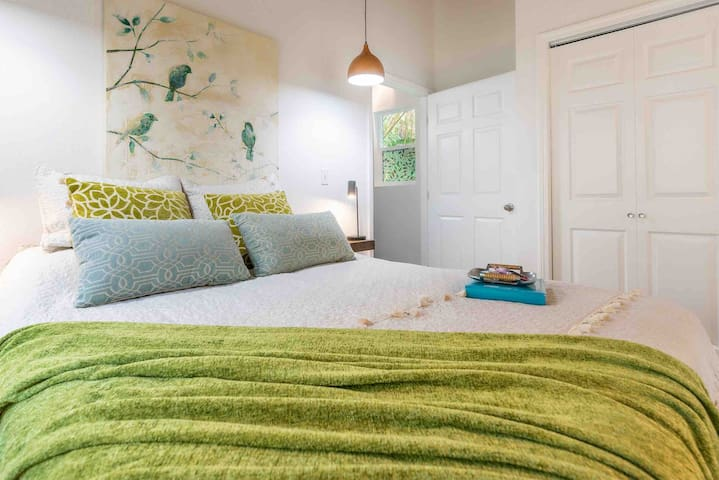 There is a gorgeous Master suite that opens to an outside lanai, with a comfortable Queen bed for a goodnight sleep after a day of sun and adventure.