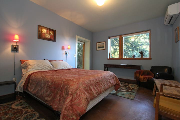 Private ranch retreat in the redwoods. - Occidental - Casa