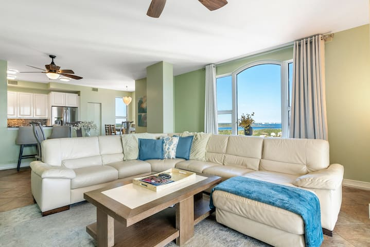 Beach Colony East Penthouse 16A-Beach Front unit with amazing views!