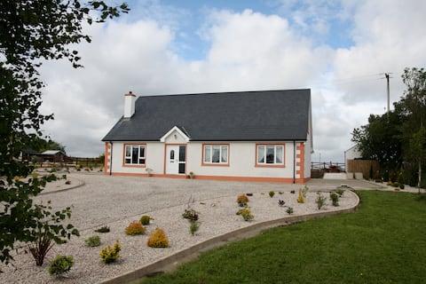 Sallywood House - a modern, rural getaway