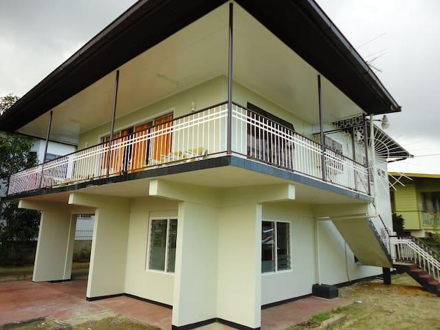 Vrijstaande woning in Paramaribo