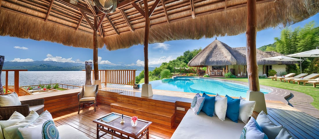 View from the pool cabana, overlooking the marine sanctuary. Chillout on the day beds or arm chairs with a drink or two from the bar.