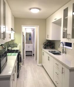 Completely remodeled cozy home near Disneyland - Anaheim - Apartmen