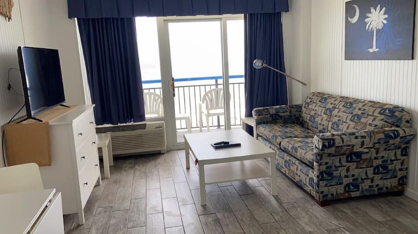 Hosteeva | Boardwalk Resort Condo w Private Ocean-front Balcony