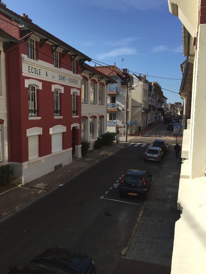 3 bed duplex St Exupery School in Le Touquet