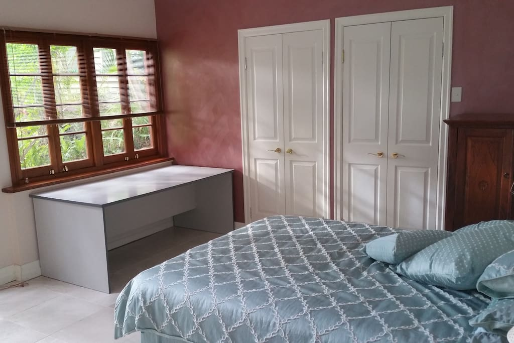 large room queen bed and fold away air con heating