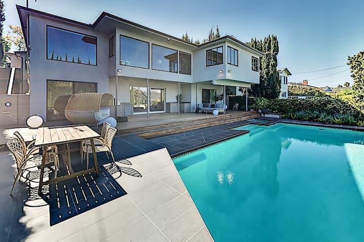 Lavish Beverly Hills Estate w/ Heated Pool & Spa