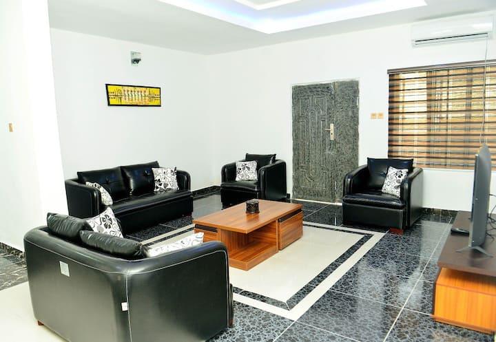 Osapa Apartments Beautiful Long Stay Central Flat