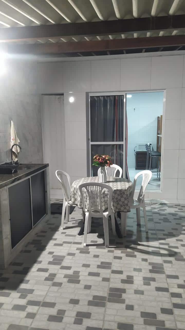 Quarto pra 4 pessoas. Centro do Recife.