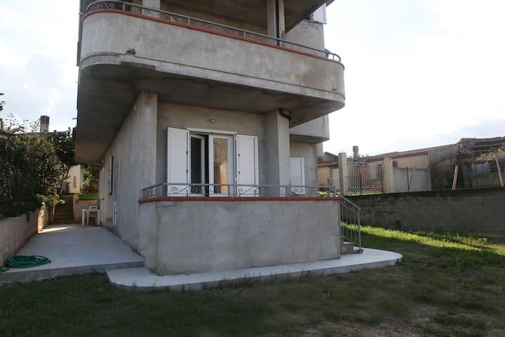 """Capo Vaticano:Casa vacanze """"Torre"""" - Ricadi - Huoneisto"""