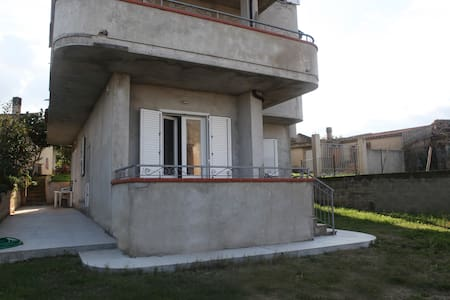 "Capo Vaticano:Casa vacanze ""Torre"" - Ricadi"