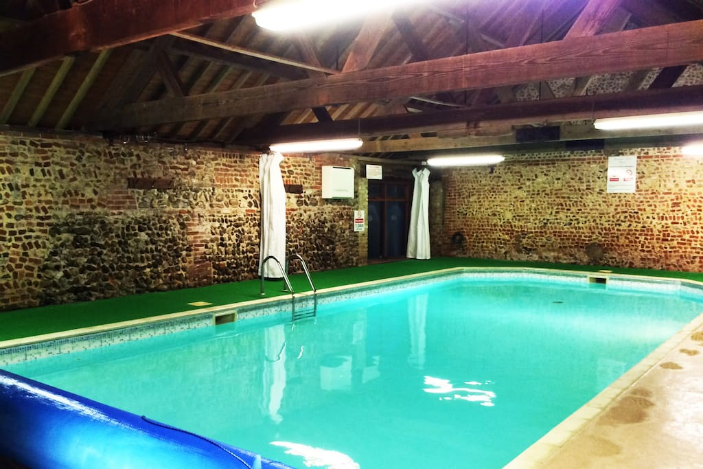 Cosy Cottage With Swimming Pool In Norfolk Cottages For Rent In Toftrees England United Kingdom