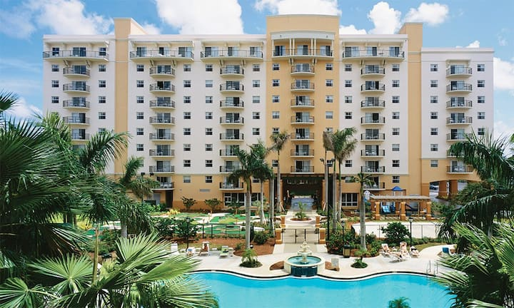 2 BEDROOM SUITE ✦ Wyndham Palm Aire Resort ✦ Bask in the Florida Sun on the Beach or Relax Pool Side!