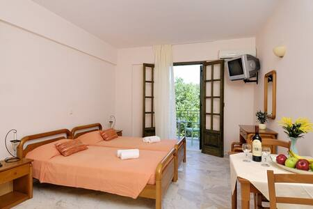 Georges Estates Hotel Stoupa - Stoupa - 公寓