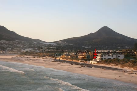 Beach Apartment in Great Location - Cape Town