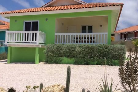 CAS IGUANA Ferienhaus mit Pool - Bisento - Hus