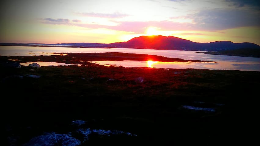 ⭐Seaside Cottage in the heart of Connemara⭐