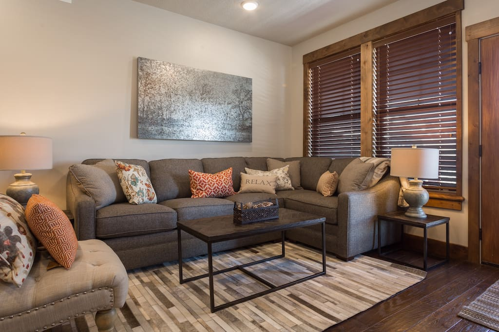 Main Living with pull out sofa