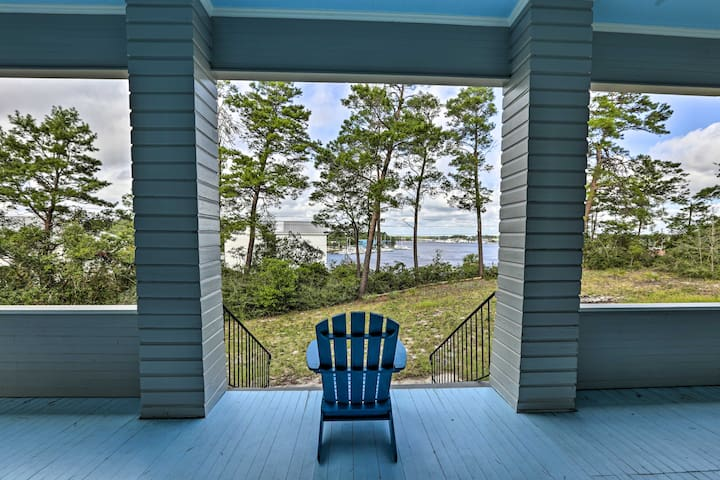 Large Historic Home Overlooking Carrabelle Harbor
