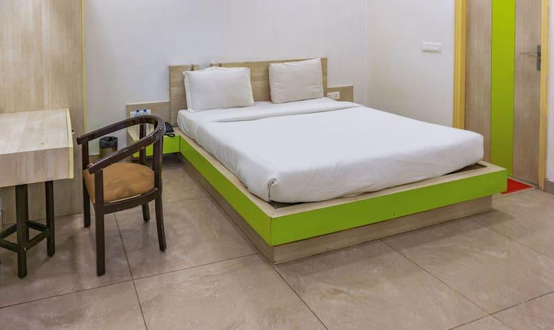 Deluxe Room with Breakfast in Sector 15, Noida