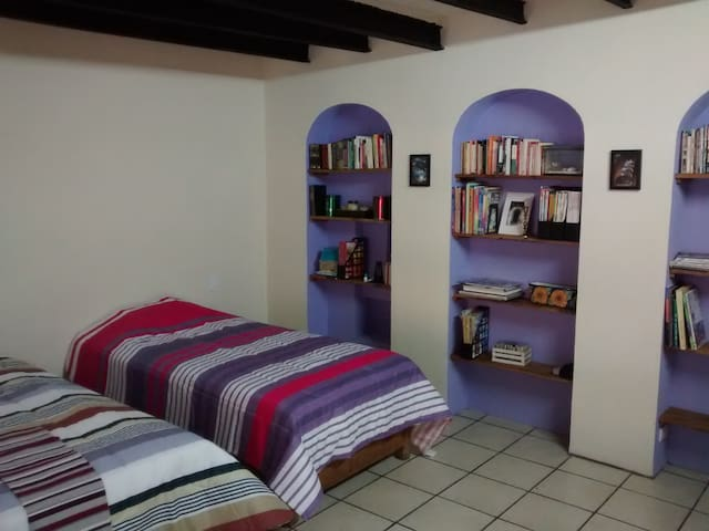 Room in downtown, with independent access - Taxco - House