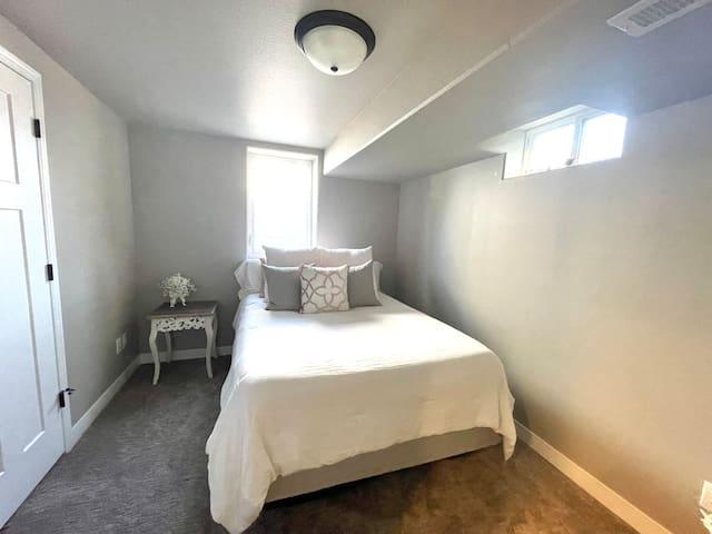 *New* Queen size bed in basement