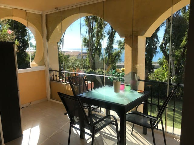 Modern Apartment - TorreOceano