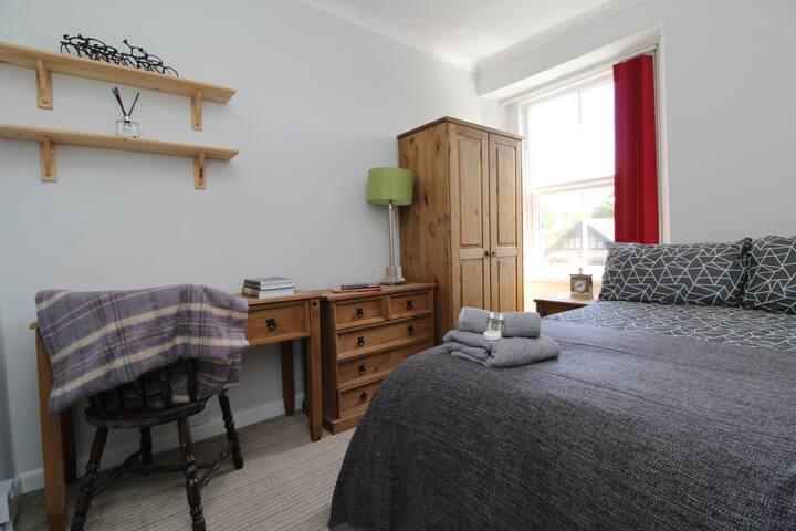 The Grosvenor House Room 3