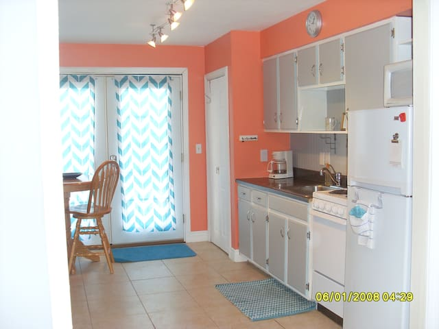 Newly Renovated Unit in the heart of Hampton Beach - Hampton - Semesterboende