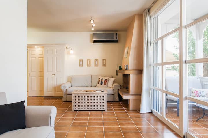 Plaka penthouse luxury apartment (Netflix provided