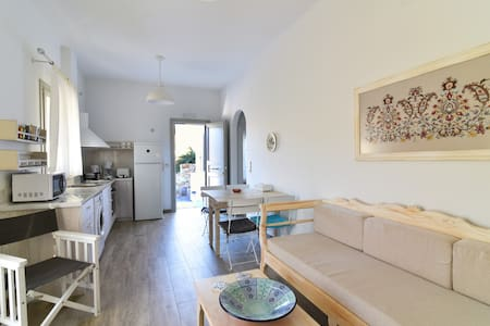 Sifanto Mare seaside balcony apartment
