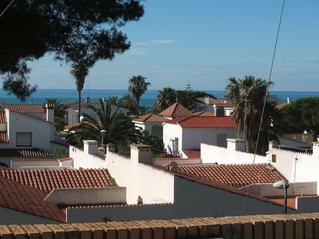 Patio Andaluz a 250m de la Playa (Marcambrils) - Cambrils - House