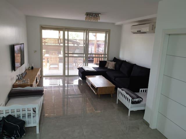 בית מפנק