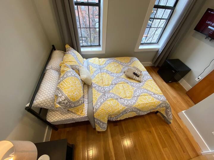 Beautiful And Modern Room // Close To Manhattan