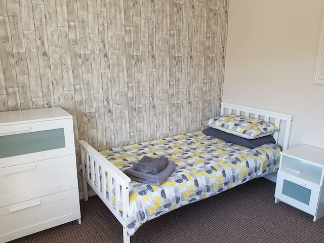 Large single  room Oxford